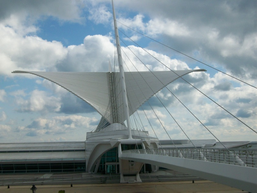 Calatrava's Milwaukee Art Museum Wings Open