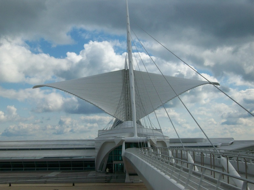 Calatrava's Milwaukee Art Museum - Wings on the Way Down