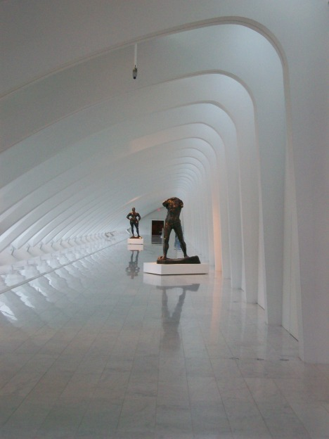 Calatrava's Milwaukee Art Museum - The Cathedral-like Connections to the Gallery