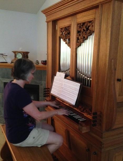 Shari Shull playing their home organ