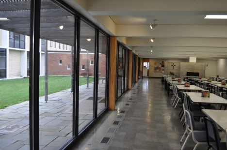 Interplay of Exterior and Interior at the University of Mary