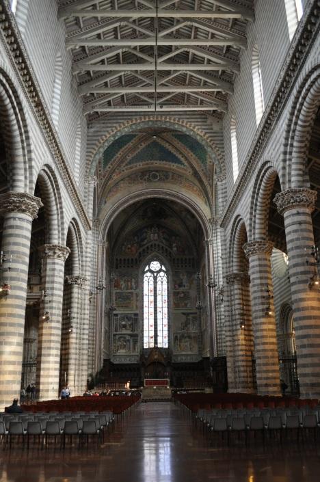 Oriento Duomo Interior