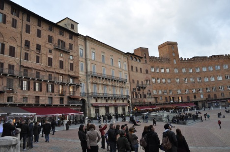 Piazza del Campo detail