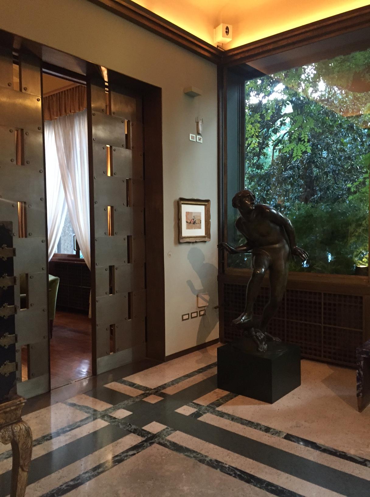 Villa necchi campiglio by piero portaluppi platform - Porch And Sliding Door Porch And Sliding Door At Villa Necchi Campiglio