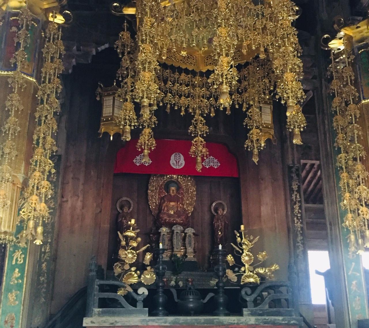 Toko-ji temple interior